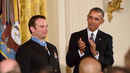 SEAL Team Six member receives medal of honor