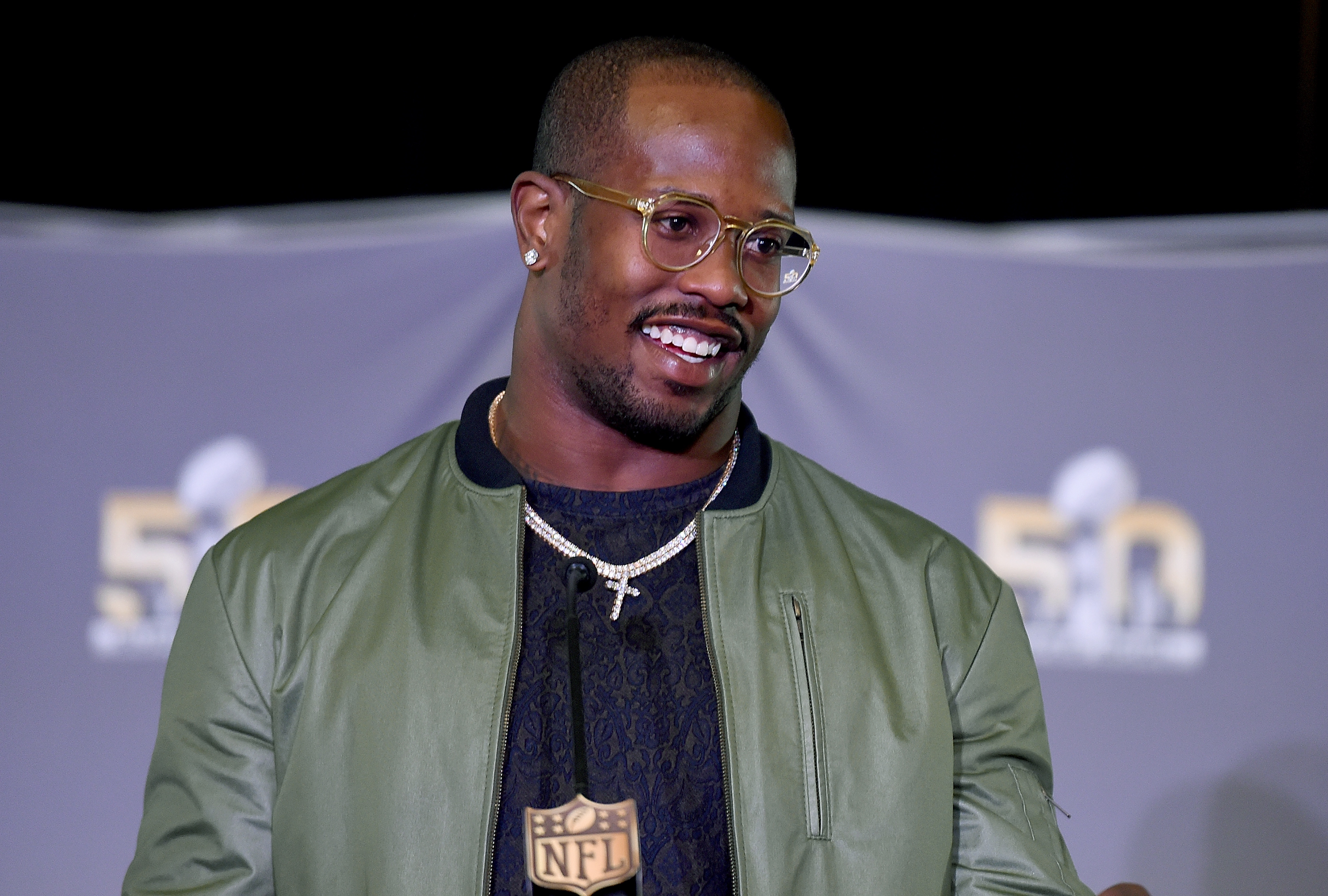 Von Miller is a Bronco Reaches agreement on 6 year contract
