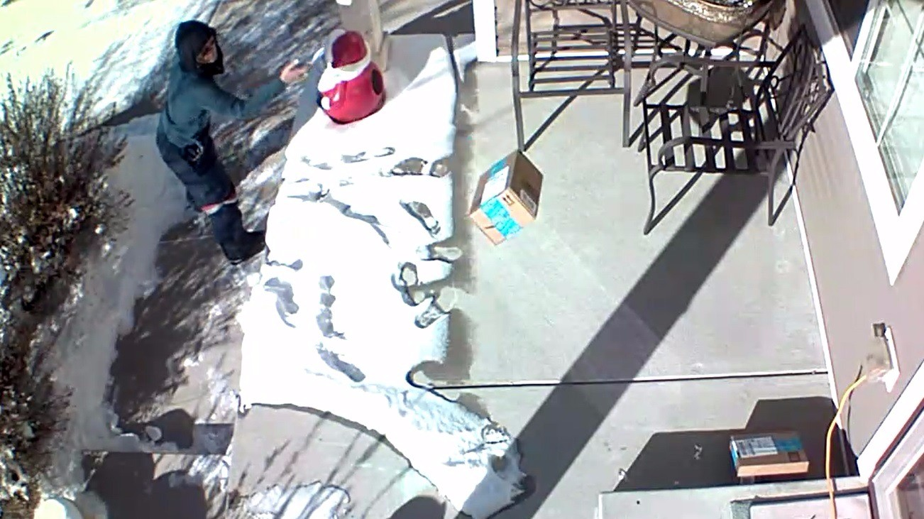 usps delivery carrier caught on camera tossing package onto porch. Black Bedroom Furniture Sets. Home Design Ideas
