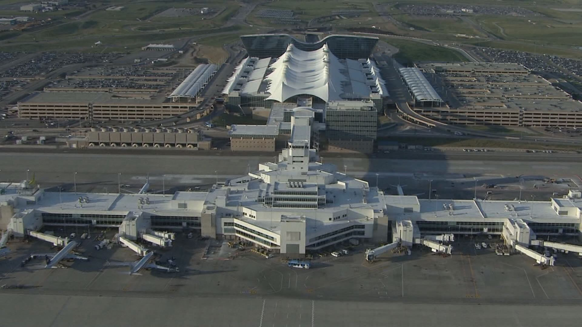 denver international airport failure 2 background the city and county of denver have built a massive new airport, the new denver international airport it extends over 13,568 hectares (about 53 square miles) has 3.