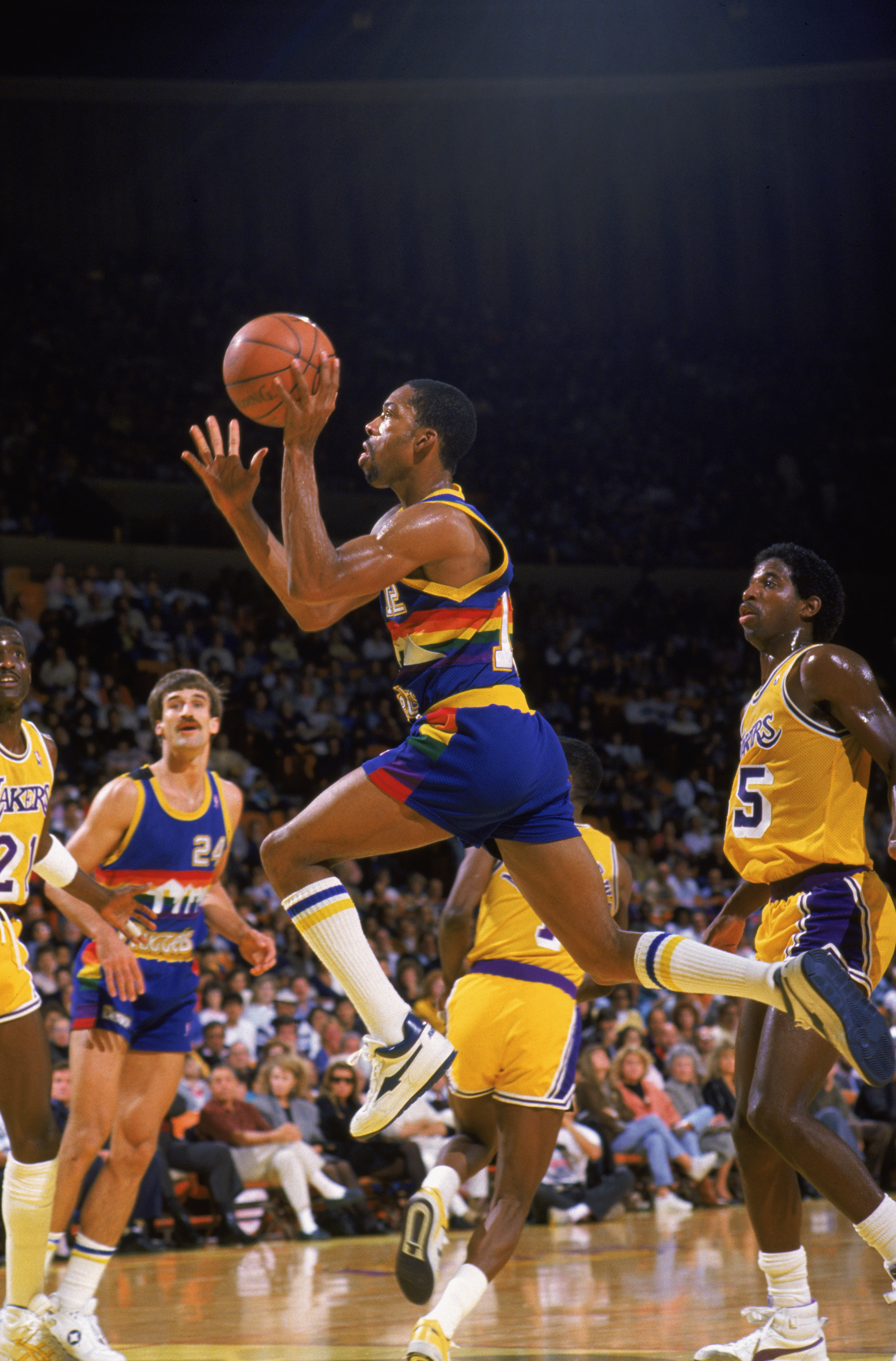 Nug s to retire Fat Lever s jersey number