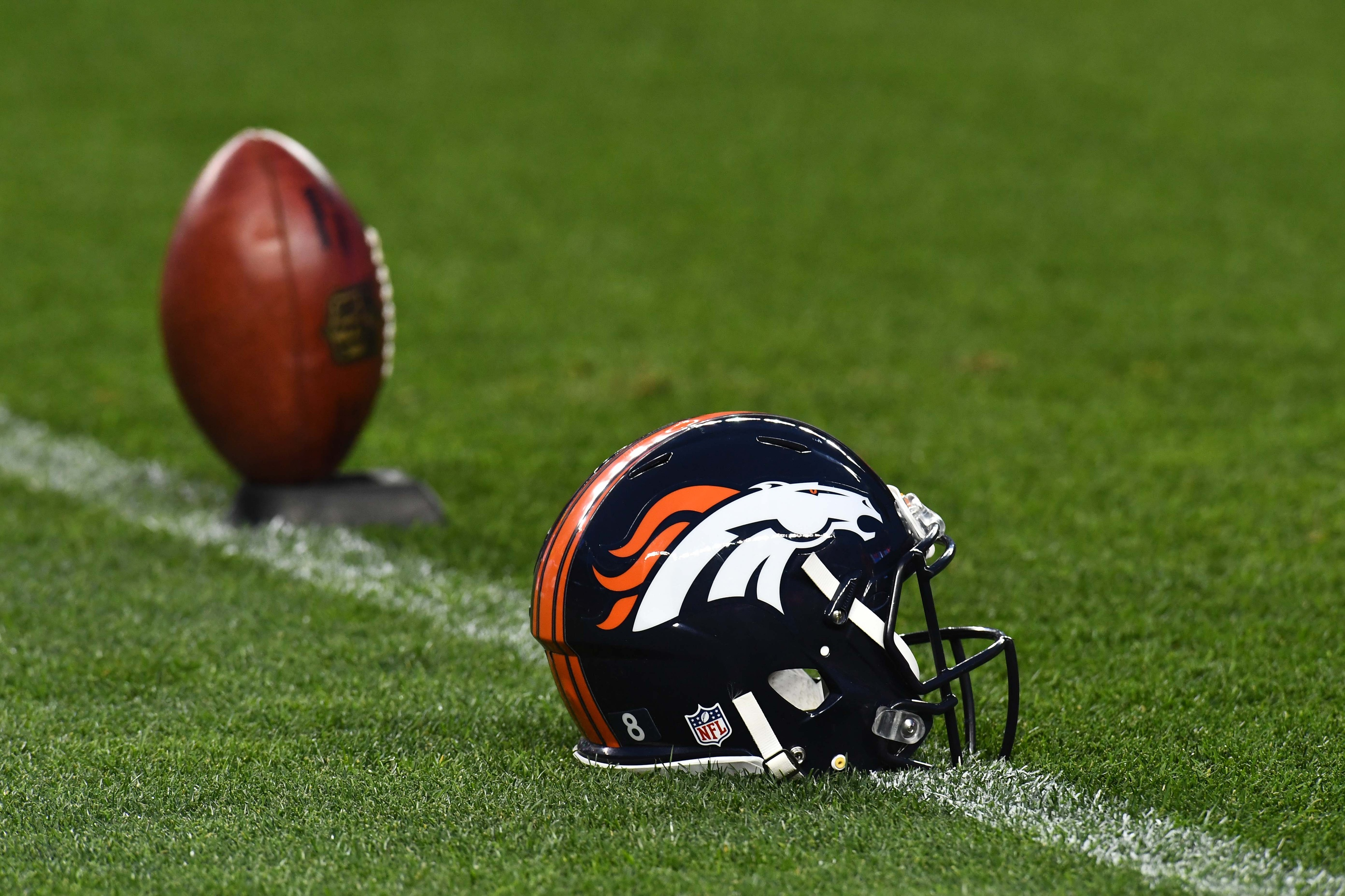 Broncos at Raiders play-by-playDenver Broncos - KLIS - KUSA - National Football League - NFL - Sanjak Of Klis - Sports Commentator - Twitter